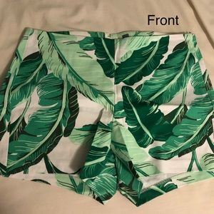 Old Navy Tropical Flower shorts 🍃